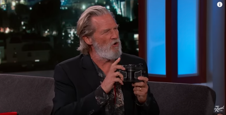 Jeff Bridges with Widelux (Pic: ABC/YouTube)