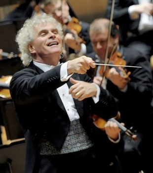 Sir Simon Rattle (Pic: Monika Rittershaus/Wikimedia Commons)