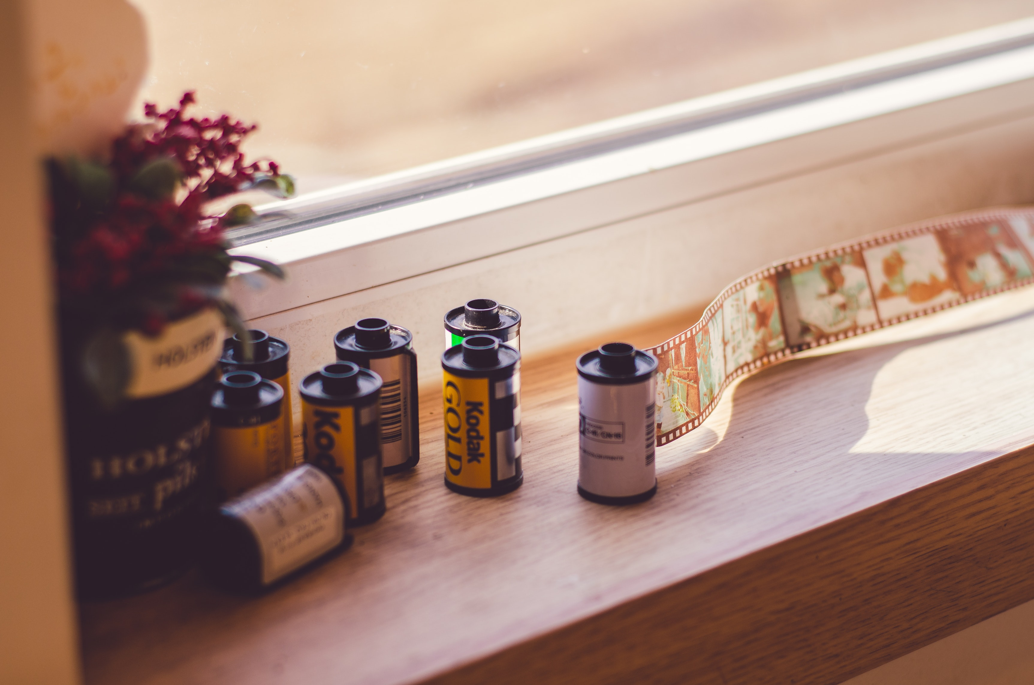 Films on windowsill (Pic: Estherkoon/Pexels)