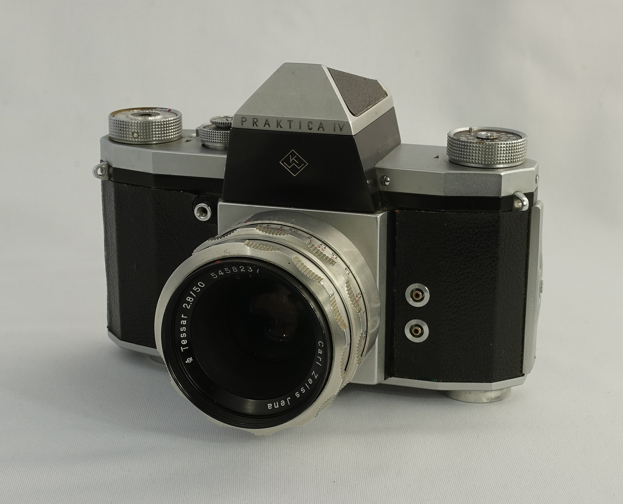 Praktica IV (Pic: Denis Barthel/Wikimedia Commons)