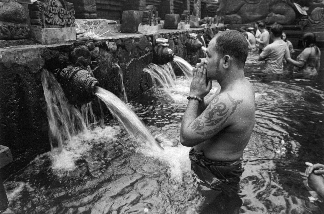 Temple ritual in Bali (Pic: Lester Ledesma)