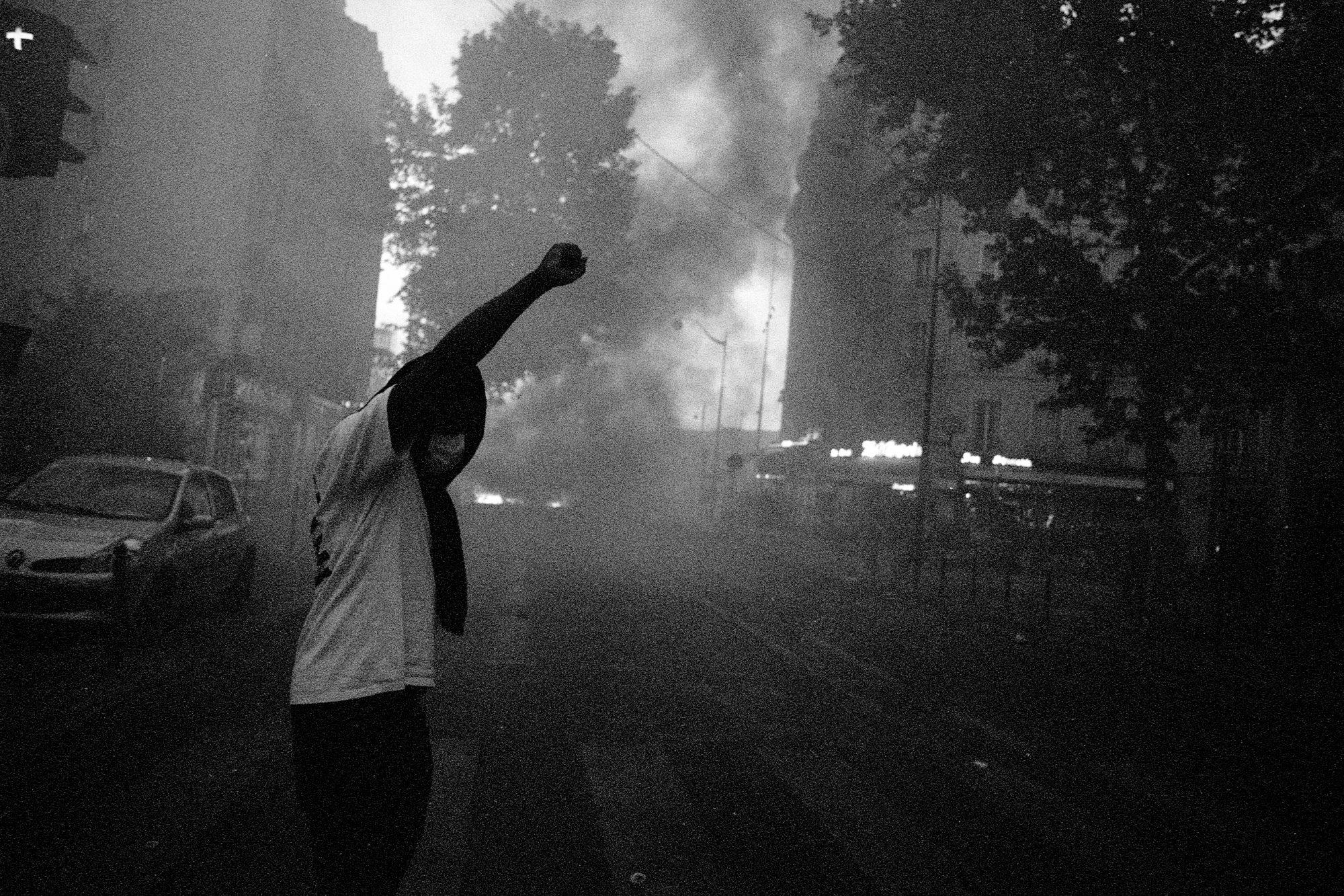Protester giving salute (Pic: Geoffrey Belhadj)