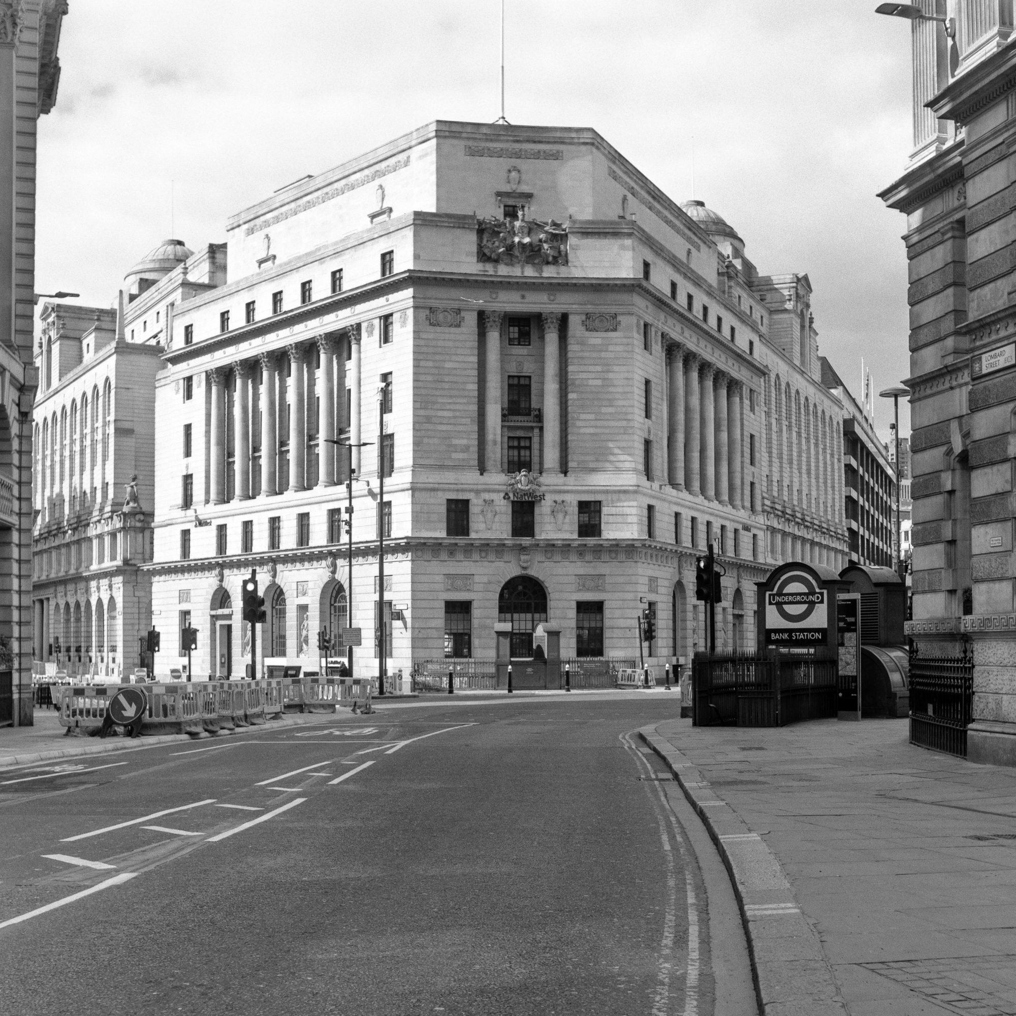 Bank (Pic: Giacomo Mantovani)