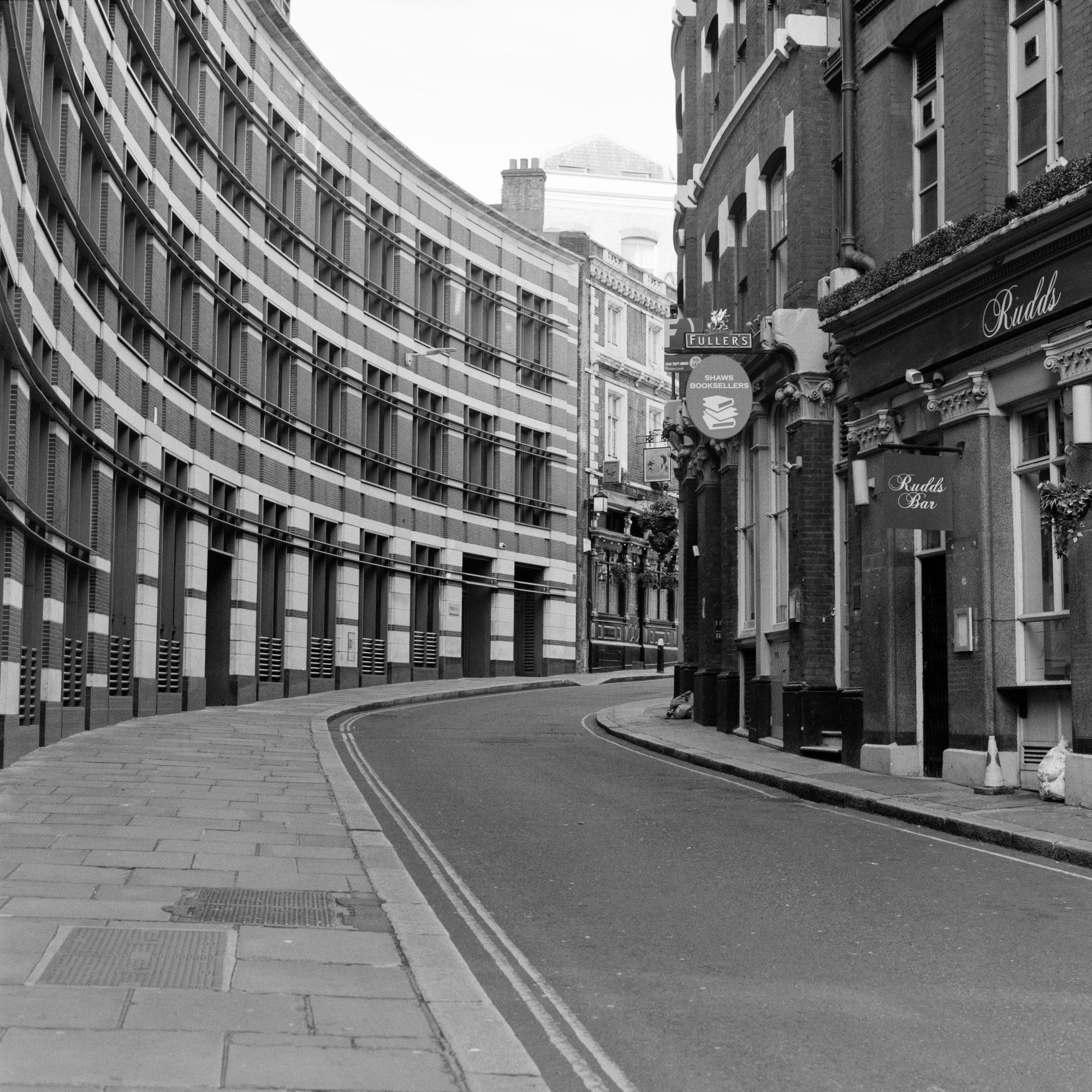 Empty side street (Pic: Giacomo Mantovani)