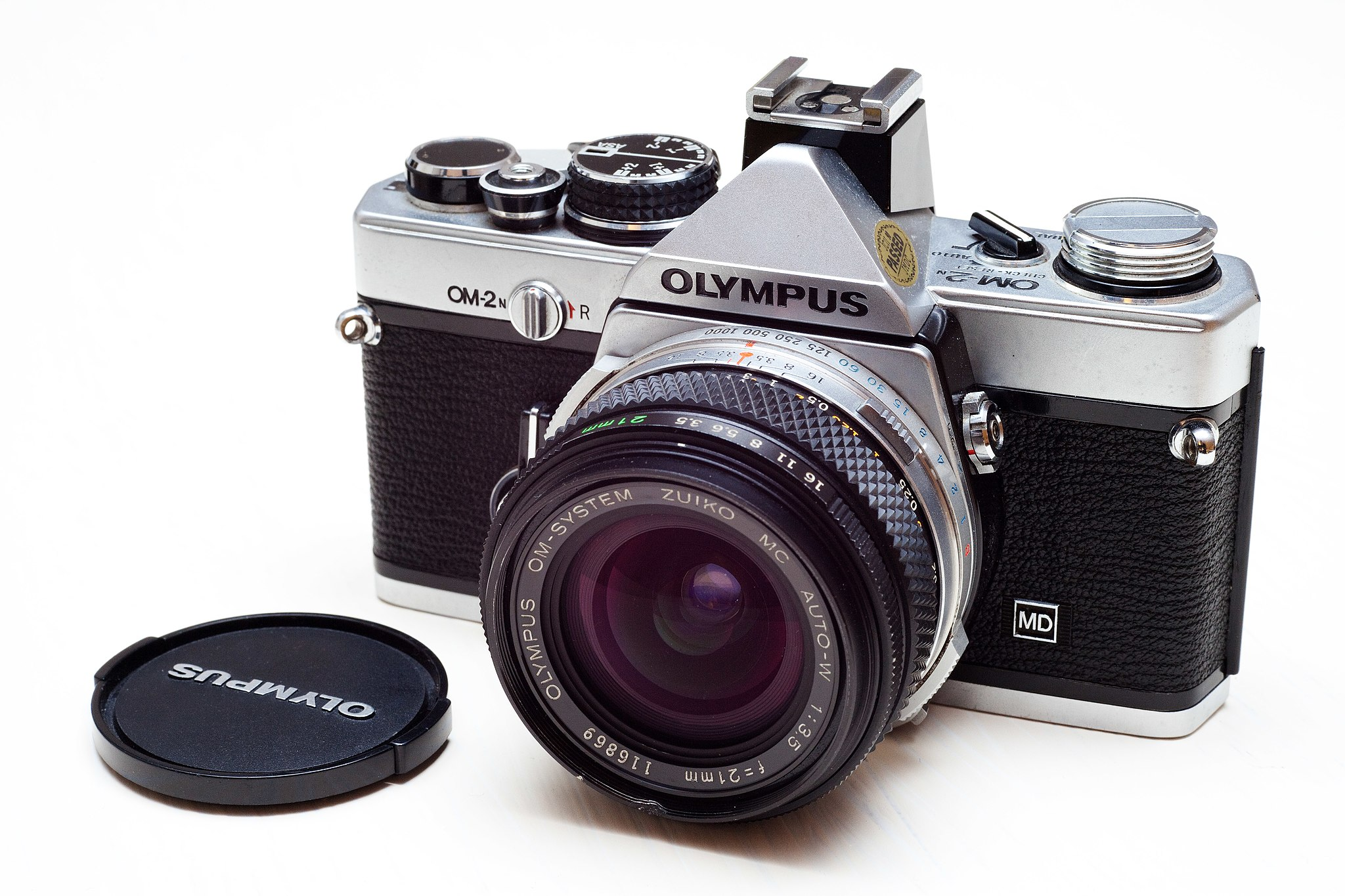 Olympus OM-2 (Pic: Ashley Pomeroy/Wikimedia Commons)