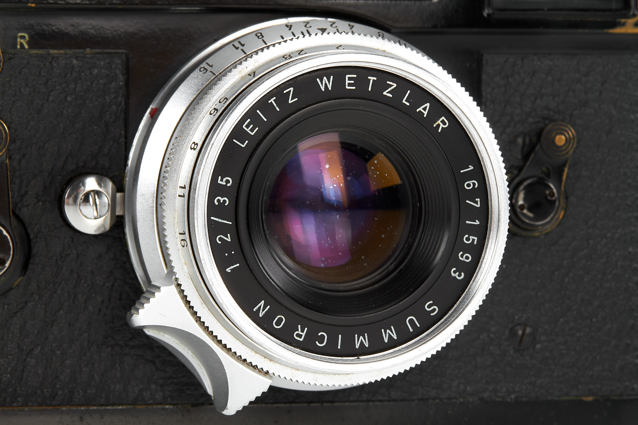 Close-up of lens (Pic: Leitz Auction)