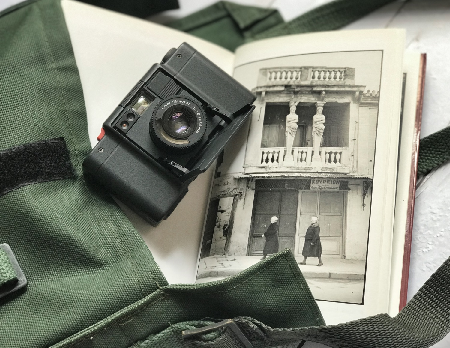 Minox Touring and Cartier-Bresson image (Pic: Lester Ledesma)