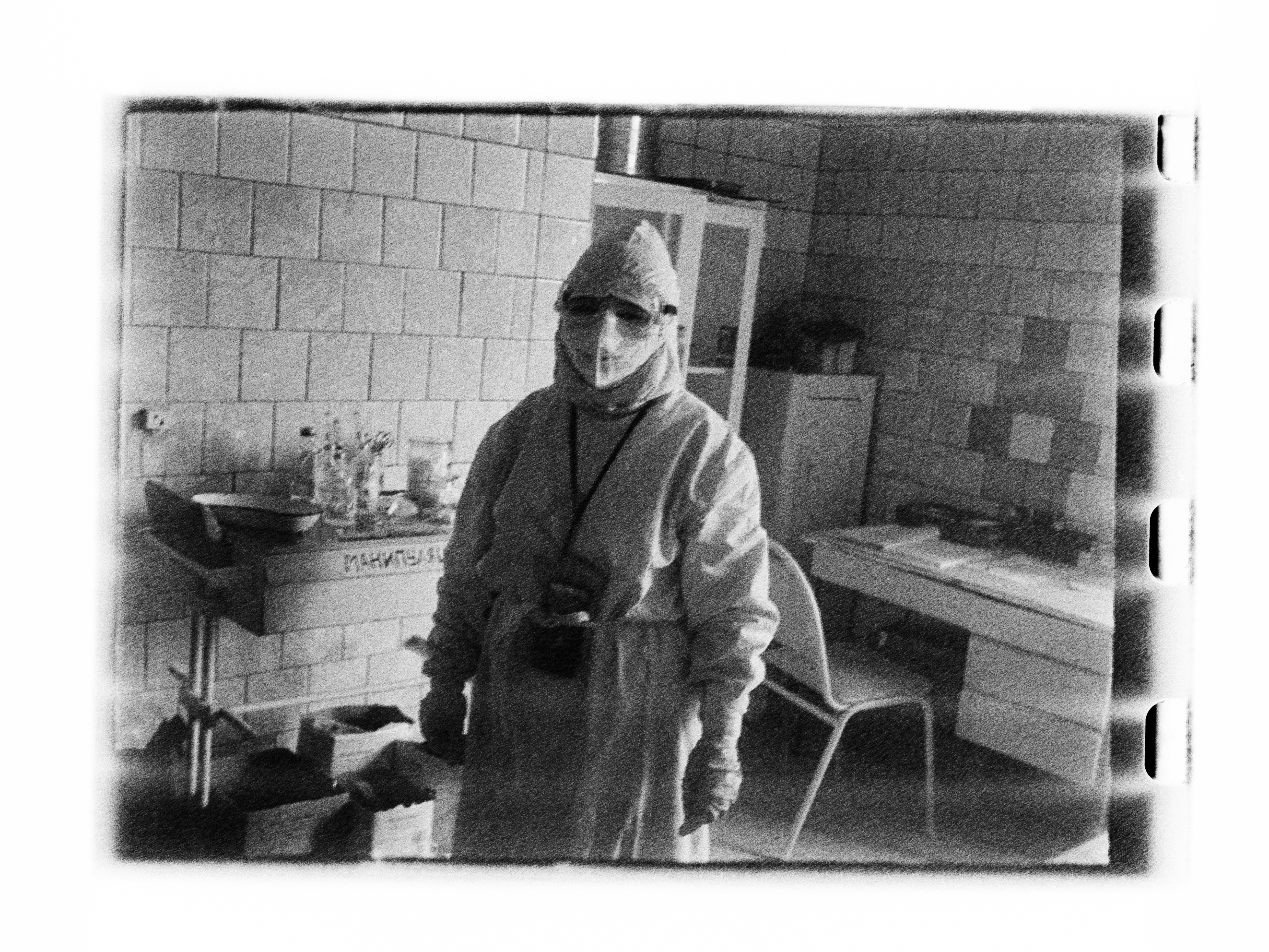 Medic in ward (Pic: Andrey Khludeyev)