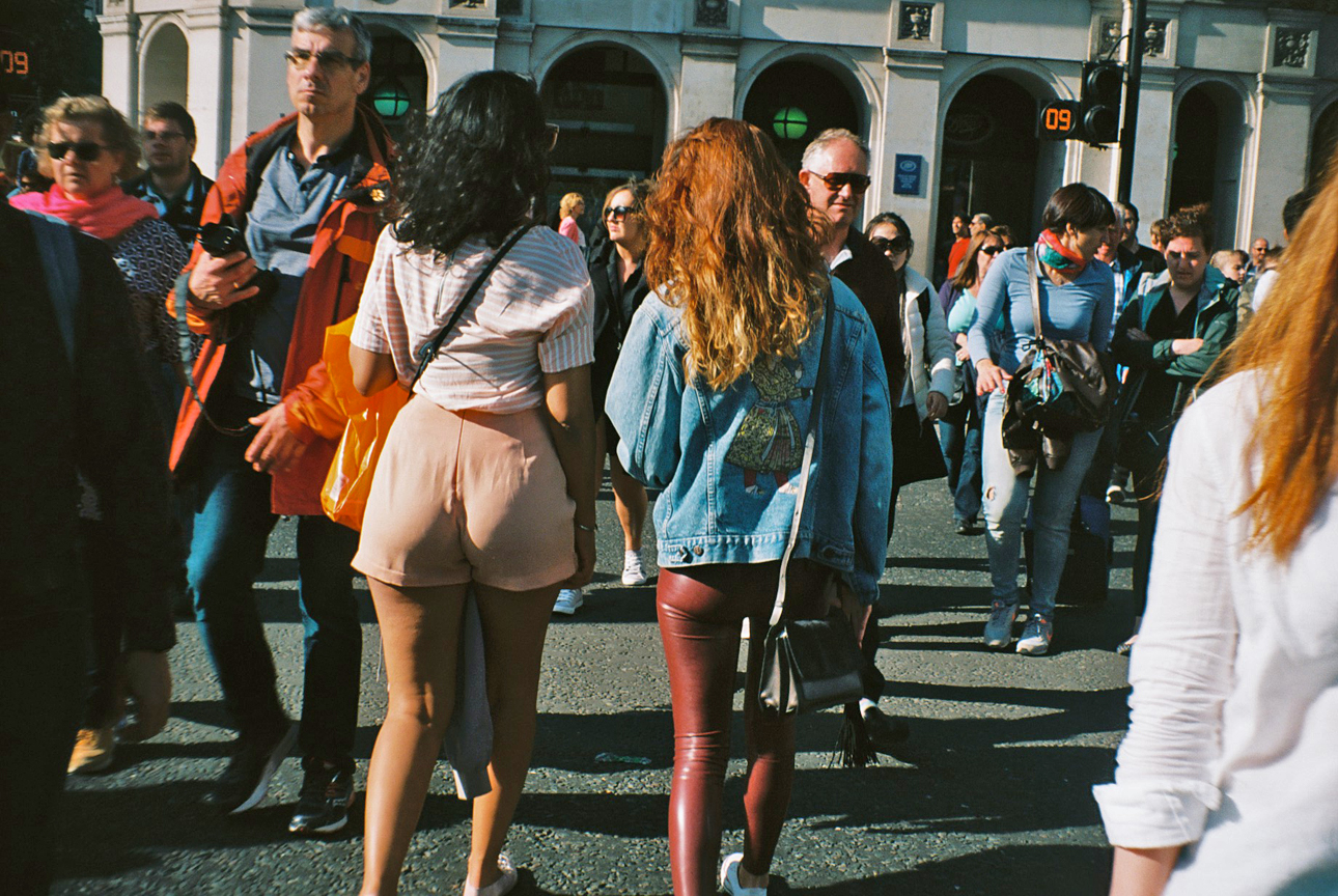 Women walking through crowd (Pic: Stephen Dowling)