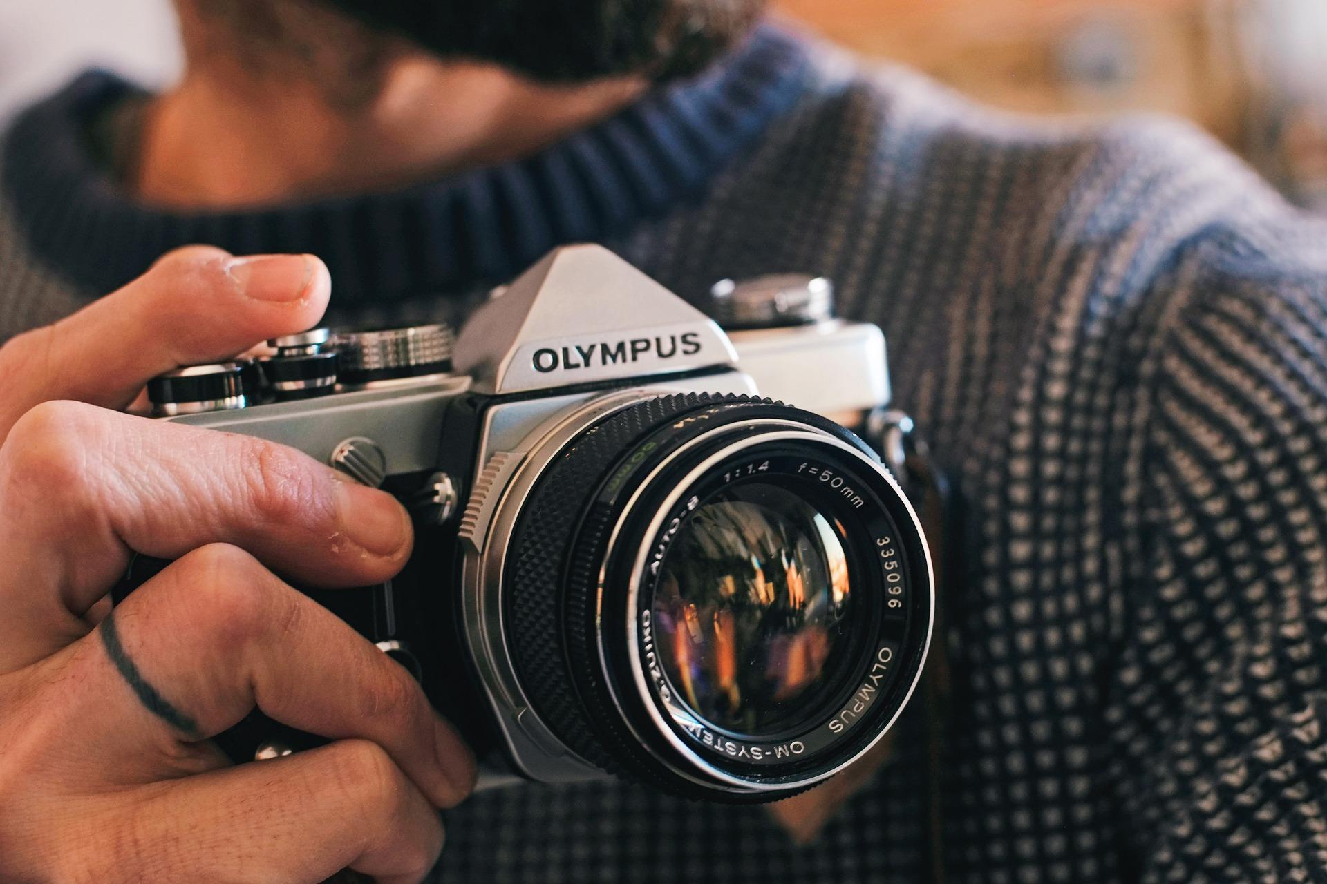 Olympus camera (Pic: Juraj Varga/Pixabay)