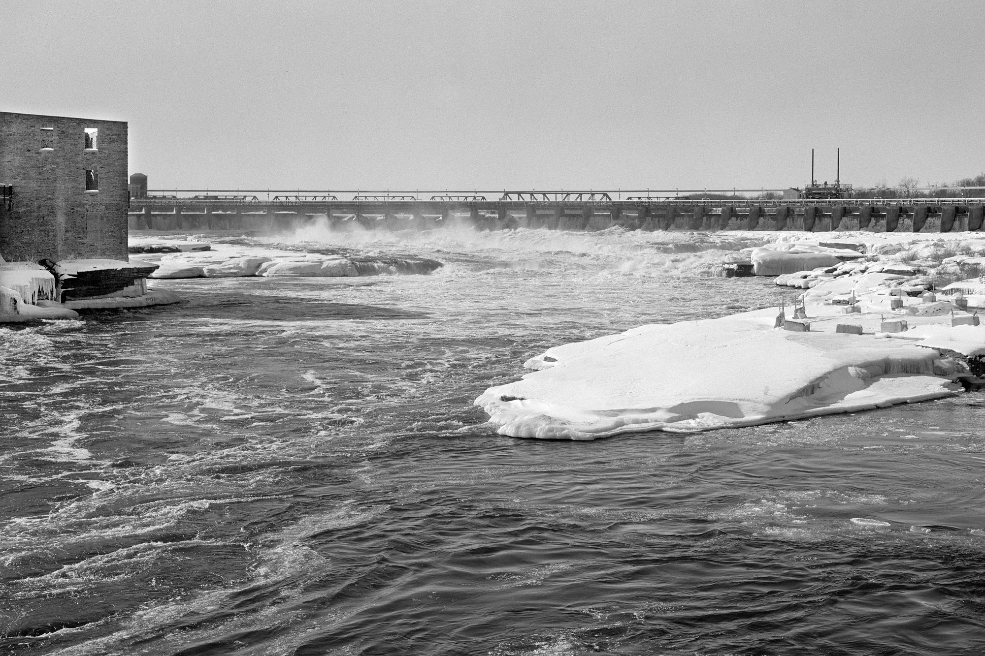 Snowy banks of river (Pic: Howard Sandler)