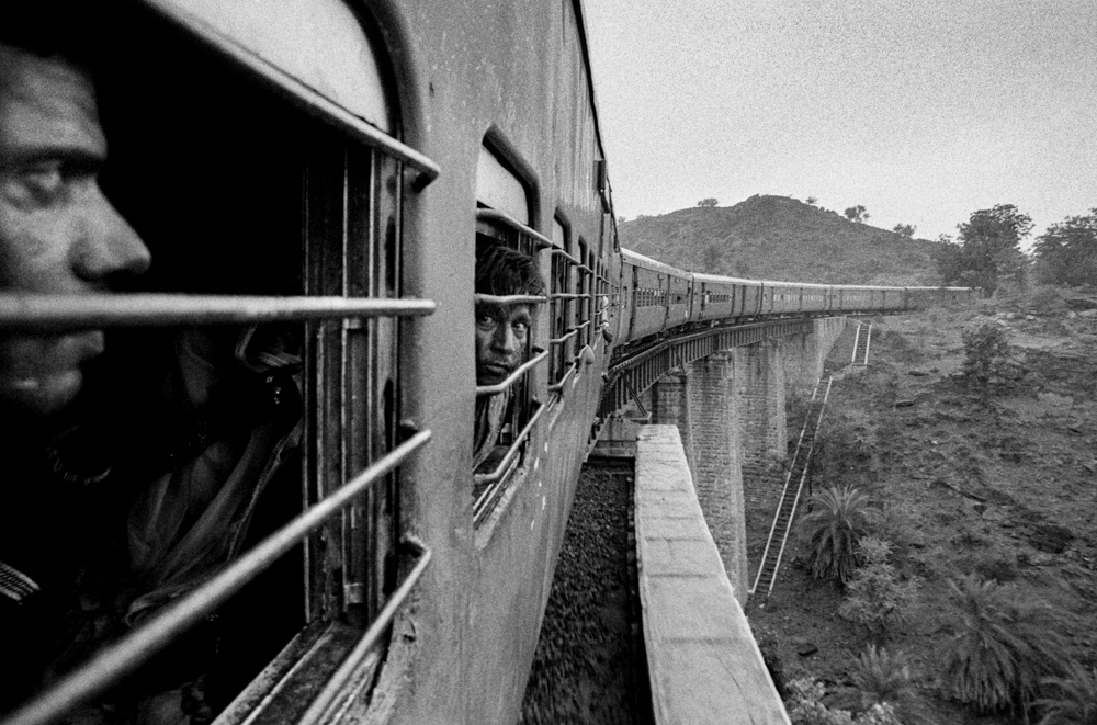 Faces in train windows (Pic: Nandakumar Narasimhan)
