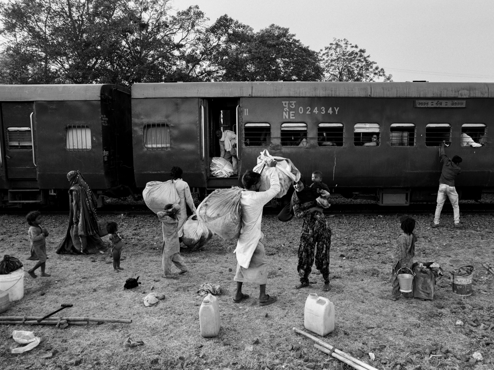 Semi-nomadic family outside train (Pic: Nandakumar Narasimhan)