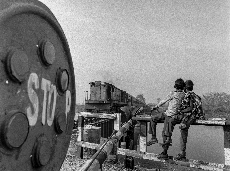 Boys watching trains (Pic: Nandakumar Narasimhan)