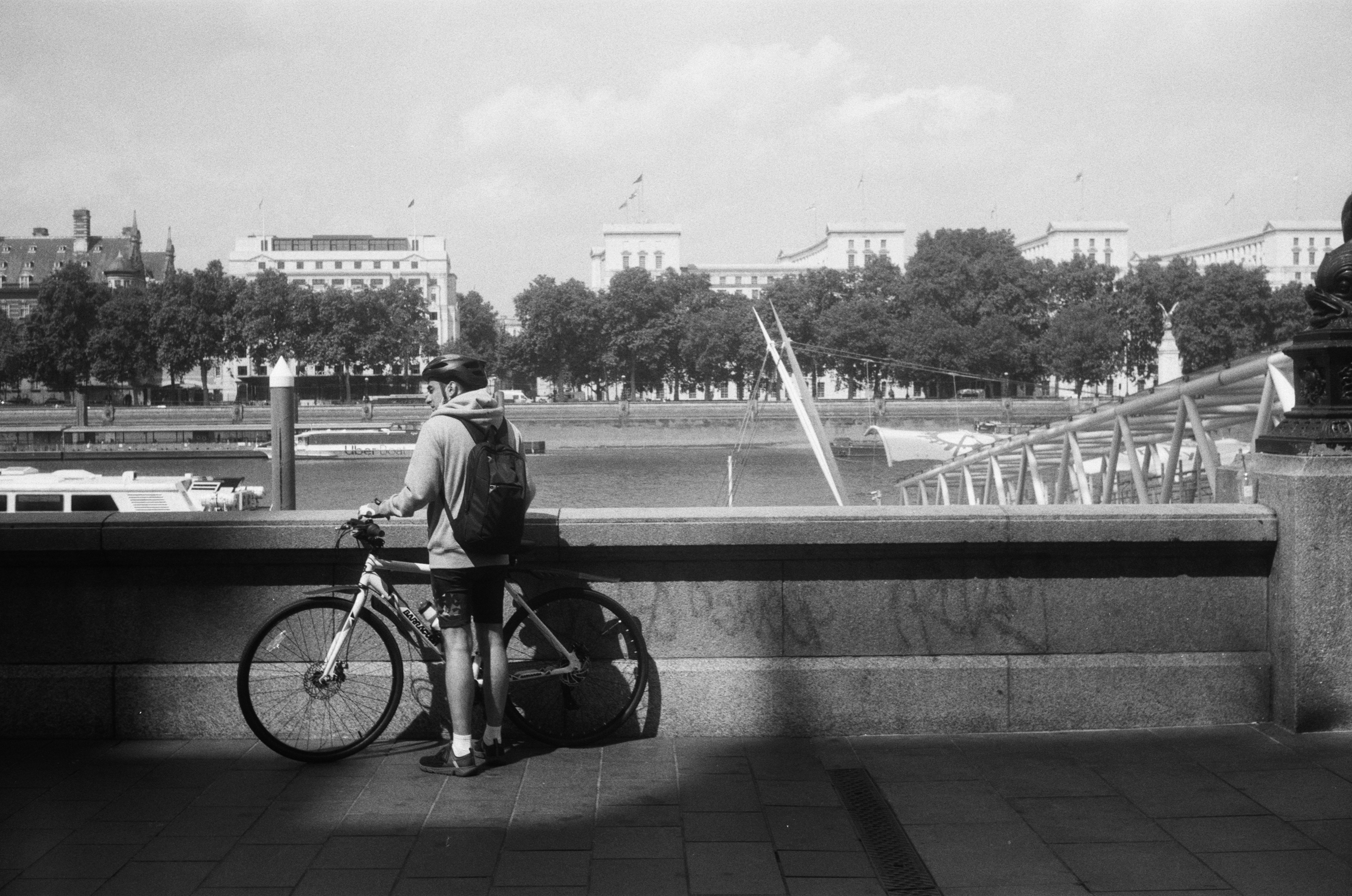 Cyclist on South Bank (Pic: Stephen Dowling)