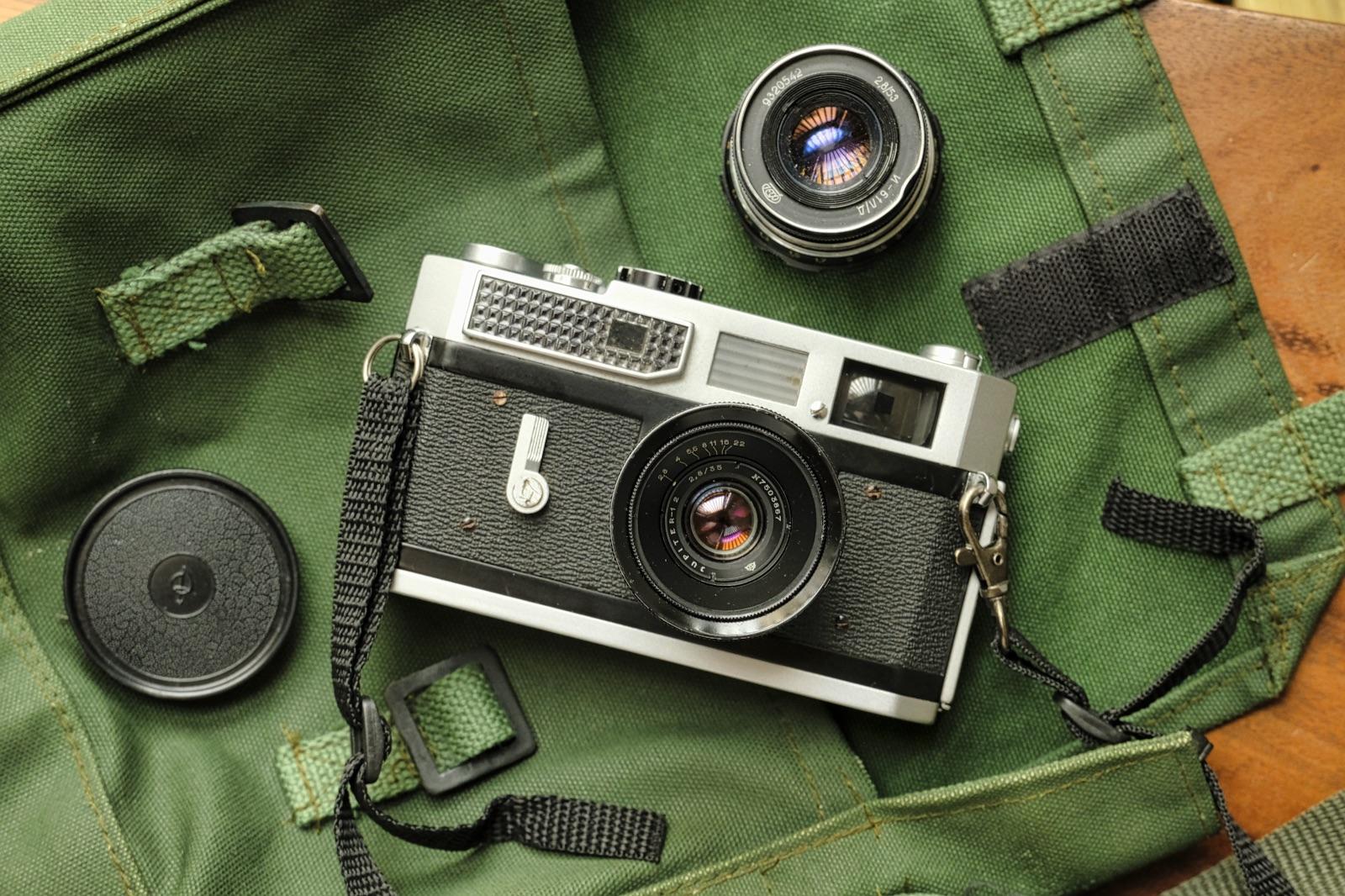 Canon 7 and lenses (Pic: Lester Ledesma)
