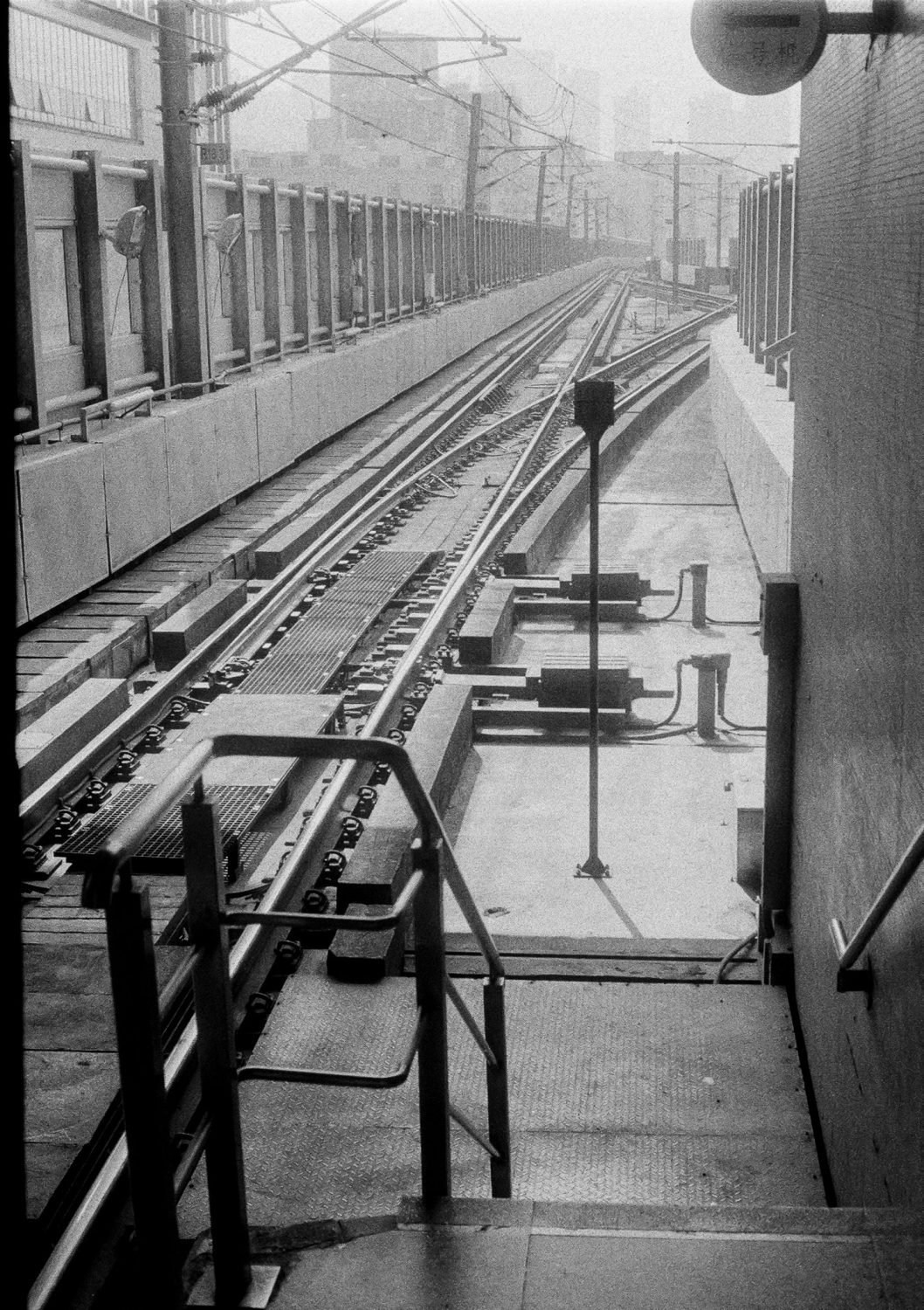 Railway tracks in black and white (Pic: Jay SE1)