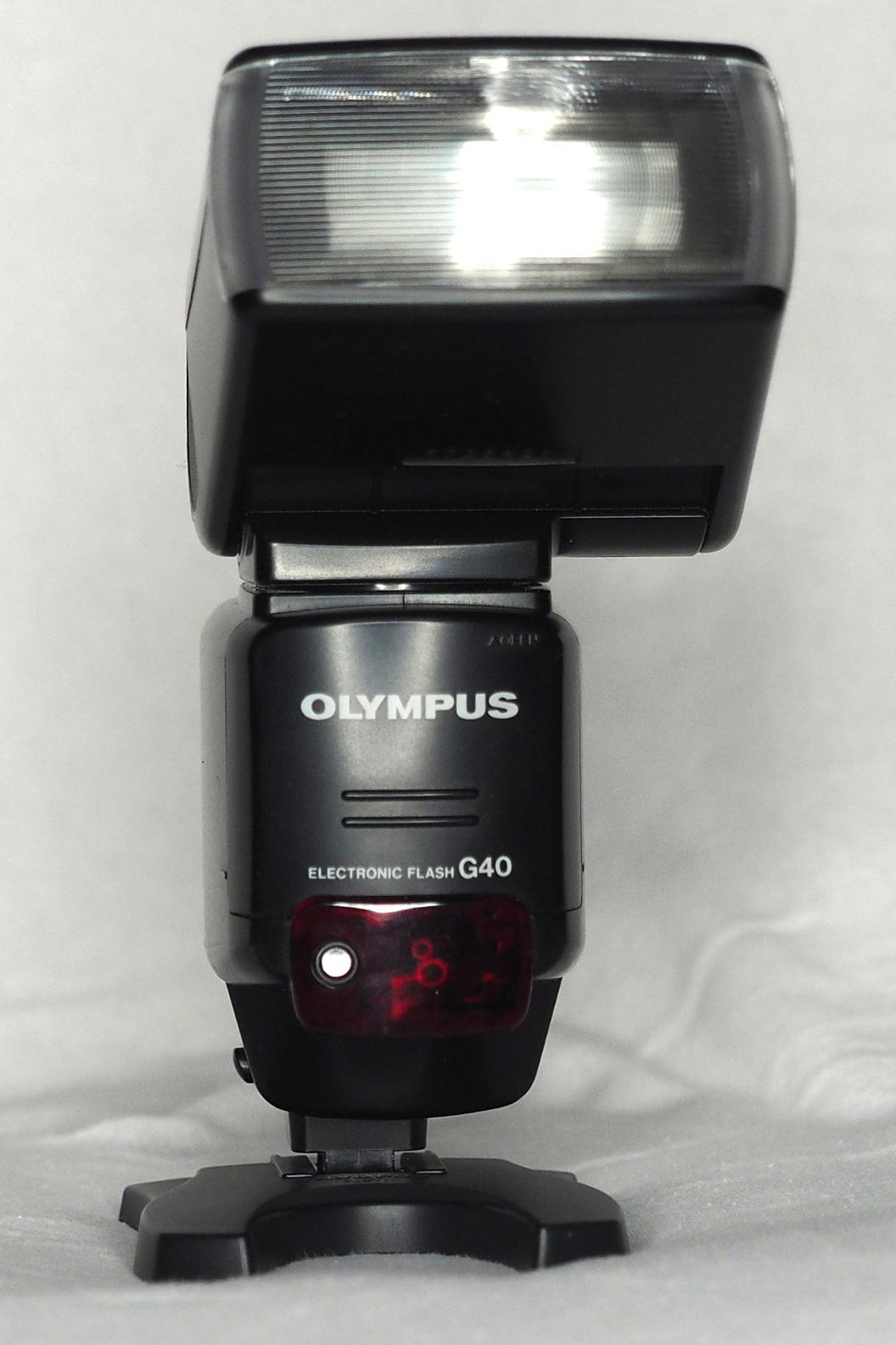 Olympus G40 flash (Pic: Bill Watts)