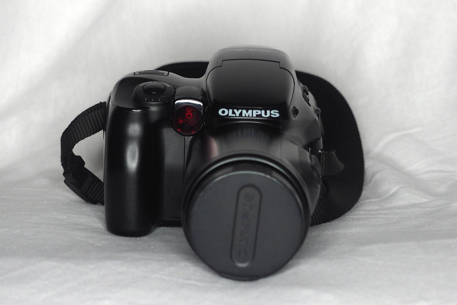 Olympus iS-3000 (Pic: Bill Watts)